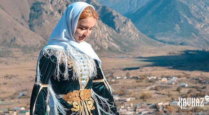 Джамиля Айбазова исполнила песню «Насыбгъа кел кетдик»