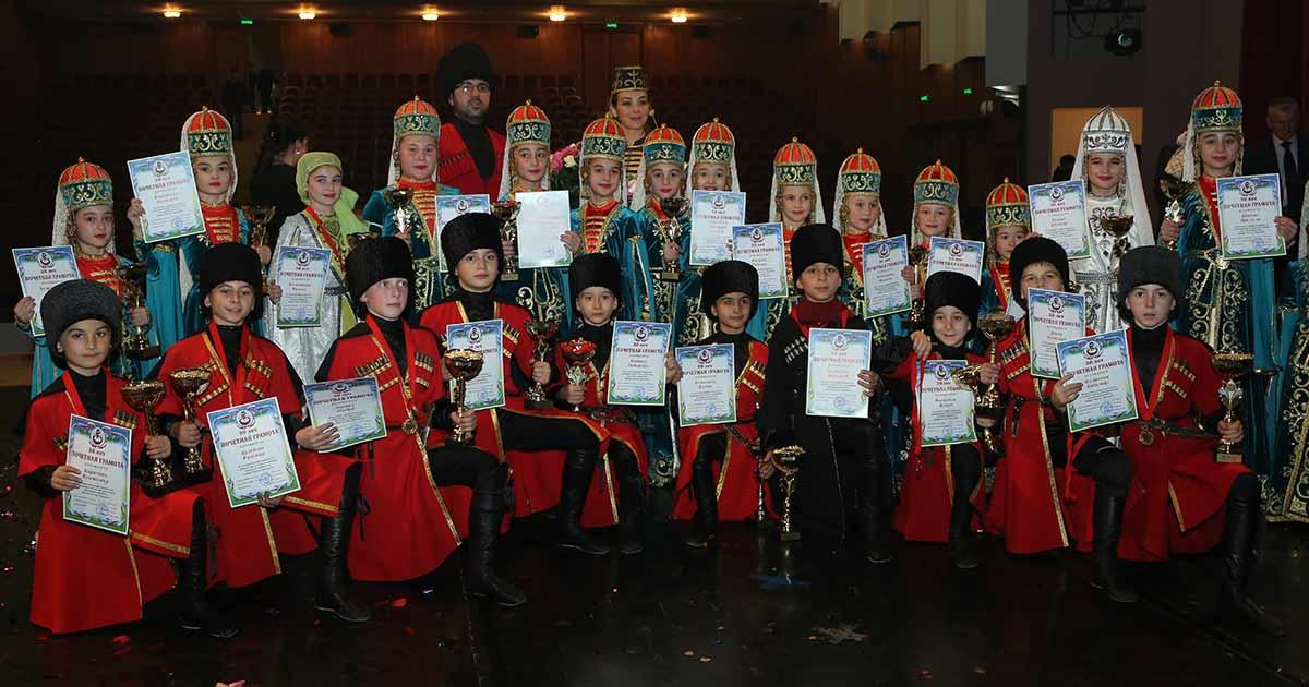 8 ноября 2018 года в Нальчике прошел концерт заслуженного ансамбля народного танца России «Нальцук»