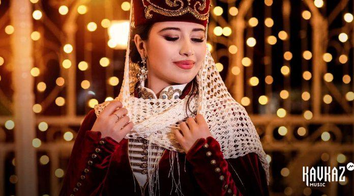 Асмира Хапчаева презентовала праздничную песню «Жемчужина Кавказа»
