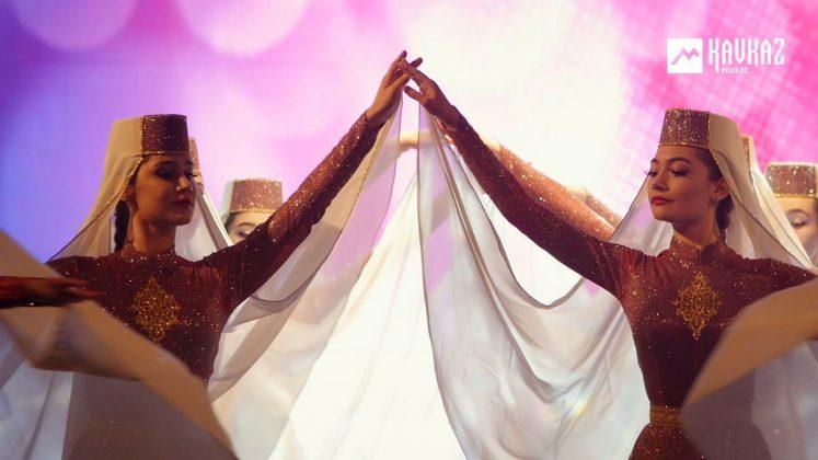 «Девичий танец», концерт ансамбля «Насып»
