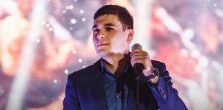 Астемир Насипов поет о прекраснейшем из чувств