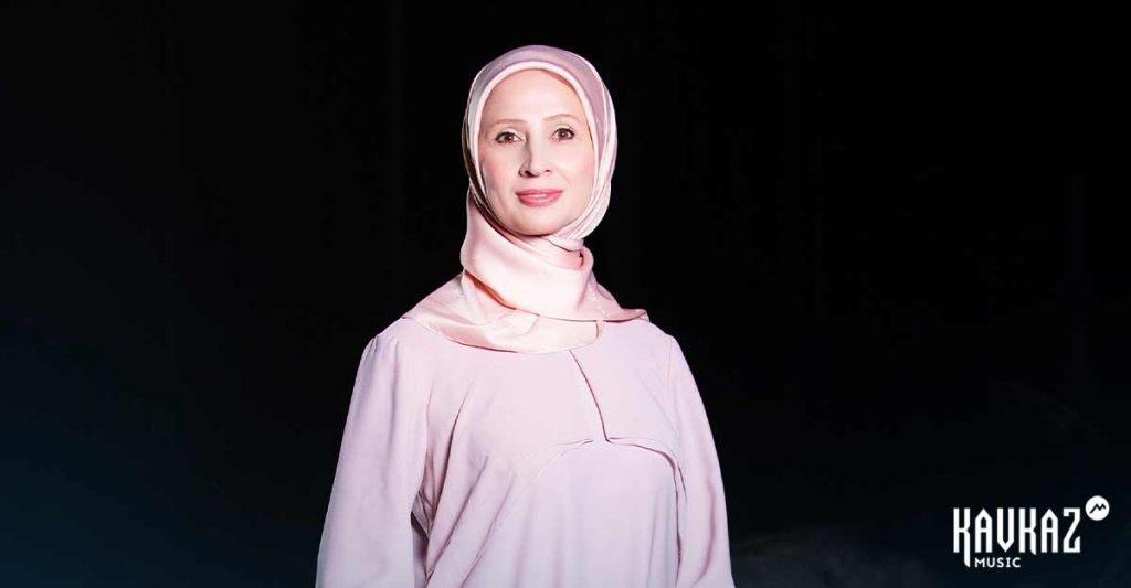 Чеченская исполнительница Маймонат Ибрагимова презентовала свой дебютный альбом «Баркалла хьуна» («Спасибо тебе»)