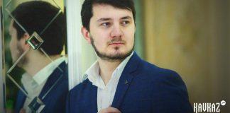 Аслан Алоев исполнил песню Замират Жабоевой