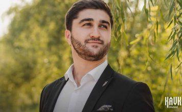 Мурат Шокуев исполнил песню «Махуэшхуэ джэгу»